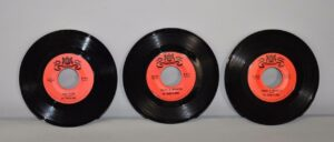 3-The-String-Alongs-45RPM-Warwick-Records-Rock-NM-Old-Store-Stock-263001877471
