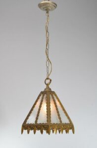 SINGLE-SOCKET-BRASS-PORCH-LIGHT-LANTERN-WITH-GLUE-CHIP-GLASS-SHADE-262878150252-2