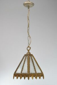 SINGLE-SOCKET-BRASS-PORCH-LIGHT-LANTERN-WITH-GLUE-CHIP-GLASS-SHADE-262878150252