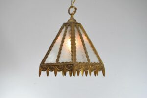 SINGLE-SOCKET-BRASS-PORCH-LIGHT-LANTERN-WITH-GLUE-CHIP-GLASS-SHADE-262878150252-3