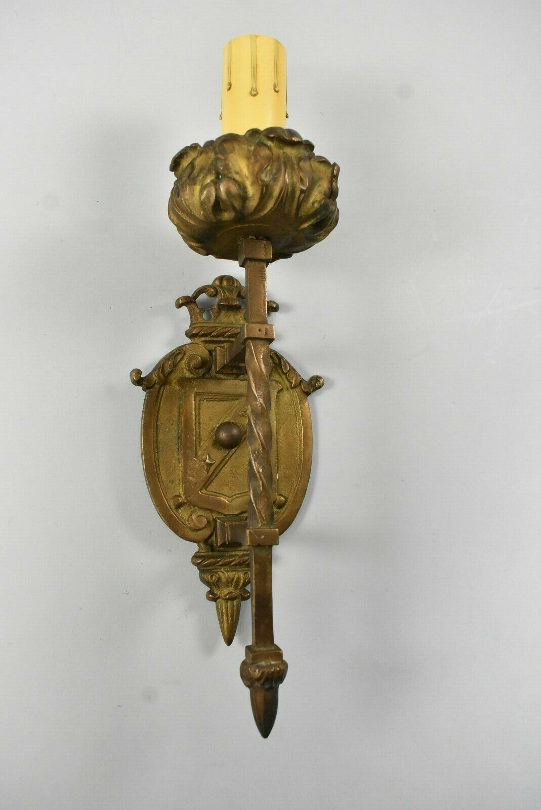 Antique Single Socket Brass Wall Sconce With Twisted