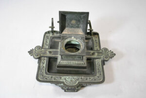 Antique-Victorian-Bronze-Inkwell-with-Verdigris-Patina-262726003847-2