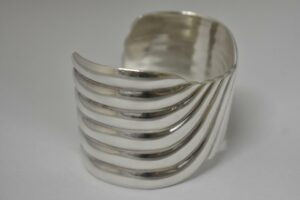 Vintage-Sterling-Silver-Taxco-Mexico-Bangle-Bracelet-Marked-TD-31-192634368900-2