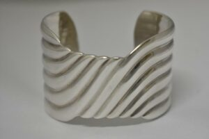 Vintage-Sterling-Silver-Taxco-Mexico-Bangle-Bracelet-Marked-TD-31-192634368900