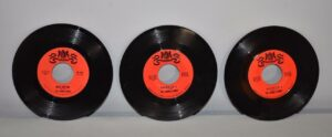 3-The-String-Alongs-45RPM-Warwick-Records-Rock-NM-Old-Store-Stock-263001877471-2