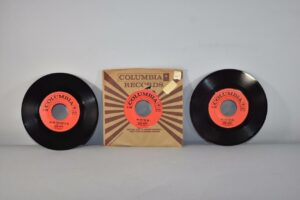 3-Johnny-Mathis-45-RPM-Columbia-Records-Pop-Small-World-NM-192156463123