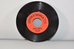 3-Johnny-Mathis-45-RPM-Columbia-Records-Pop-Small-World-NM-192156463123-4