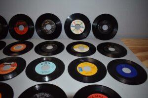 28-Soul-Pop-45RPMs-Near-Mint-Old-Store-Stock-O-Jays-BB-King-Charles-263135244534-4