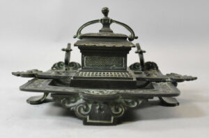 Antique-Victorian-Bronze-Inkwell-with-Verdigris-Patina-262726003847